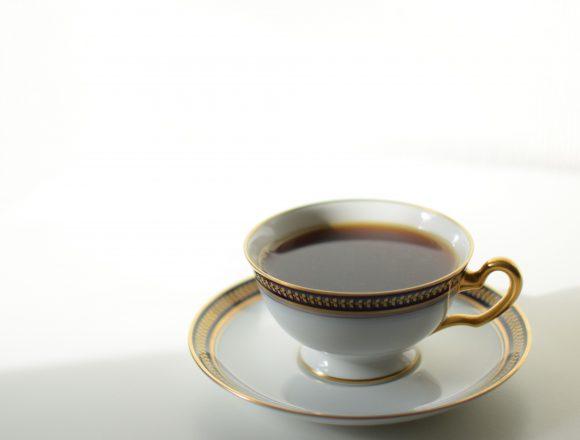 大倉陶園のカップアンドソーサー