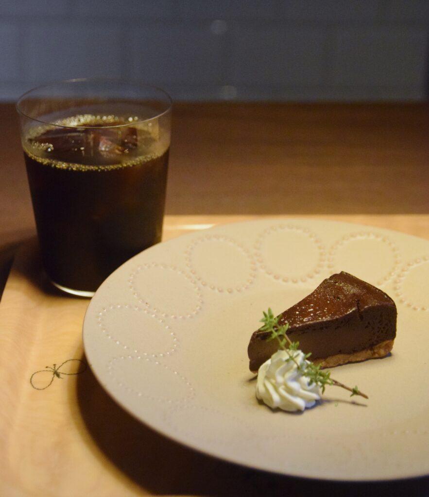 馬喰町『puukuu食堂 プークー食堂』のチョコレートチーズケーキ 東京カフェ